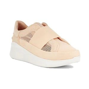 UGG Libu Lite Sneaker
